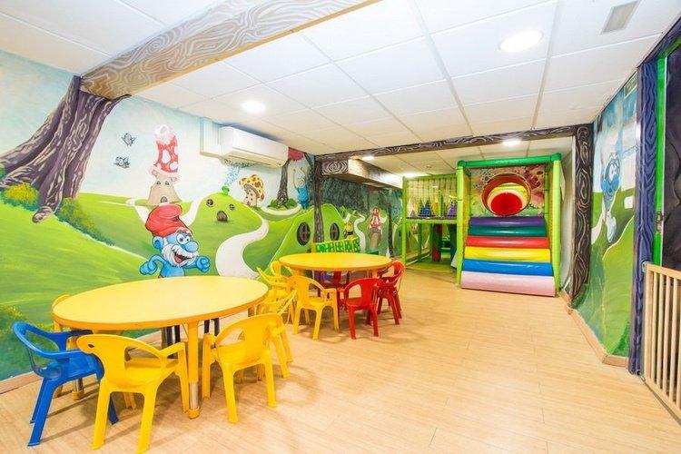Детская площадка Отель Magic Rock Gardens Бенидорме