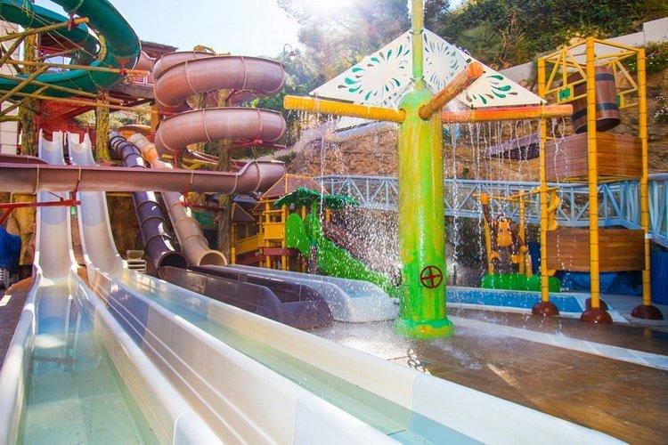 Аквапарк Magic Aqua Experience™ Отель Magic Rock Gardens Бенидорме