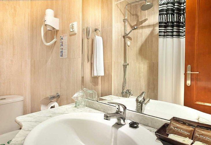 Ванная комната Отель magic rock gardens бенидорме